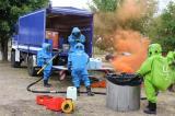 Feuerwerk 2012 in Pasewalk - Feuerwehr und THW gemeinsam bei einer Gefahrgutausbildung