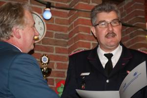 Hohe Auszeichnung der FFW für THW-Ortsbeauftragten aus Eckernförde